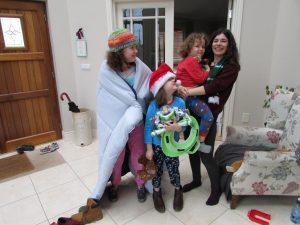 Sonia con los niños en Irlanda