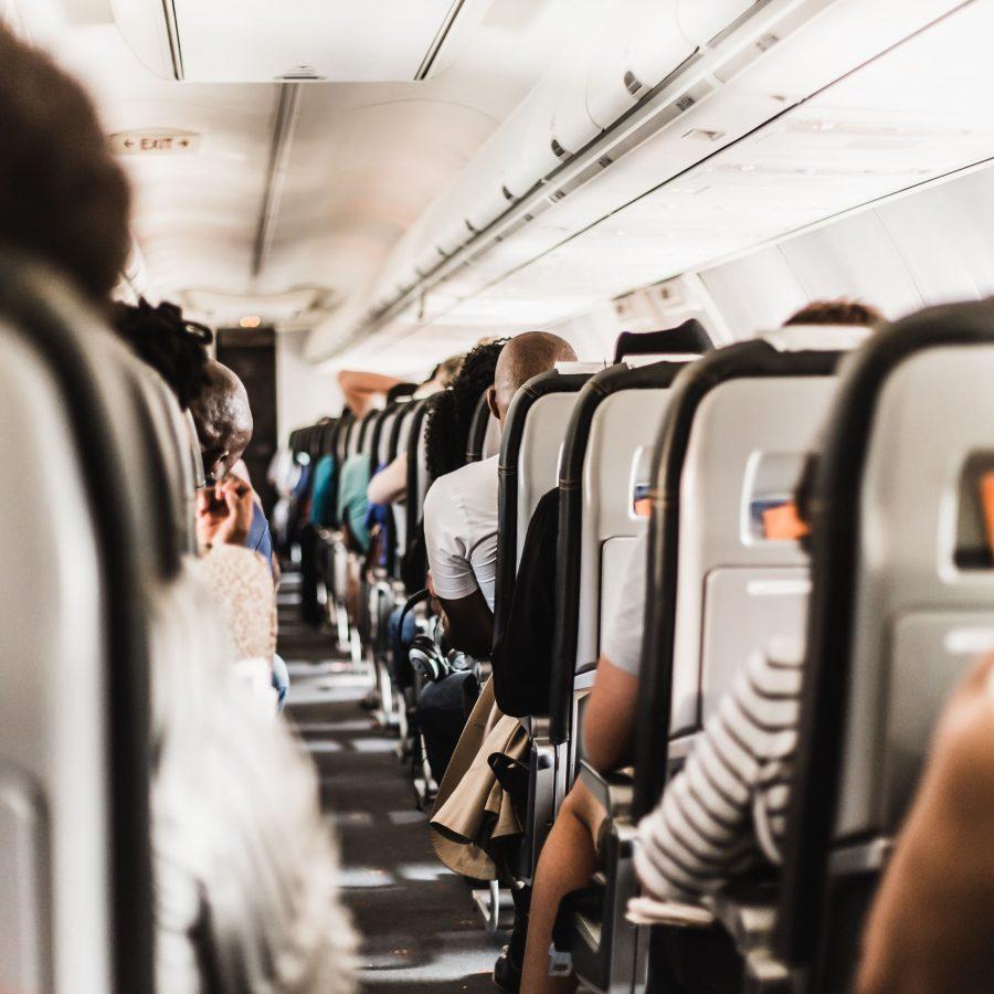 Interior del avión en aeropuertos en Irlanda