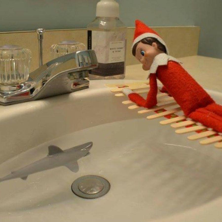 Elf on the Shelf y las mejores travesuras en el baño.