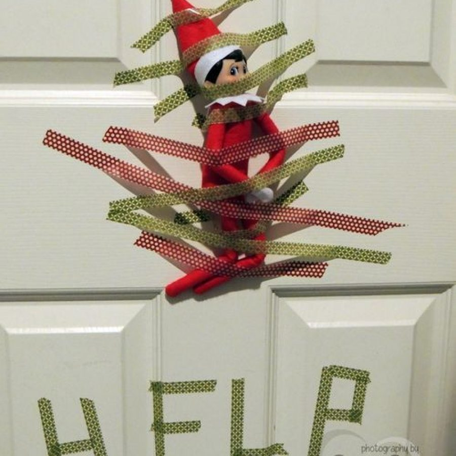 The Elf on the Shelf pidiendo ayuda.